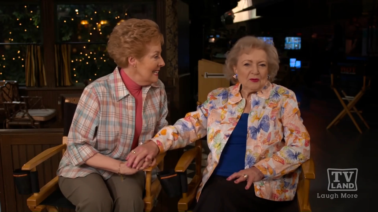 Georgia Engel and Betty White share favourite scenes from The Mary Tyler Moore Show