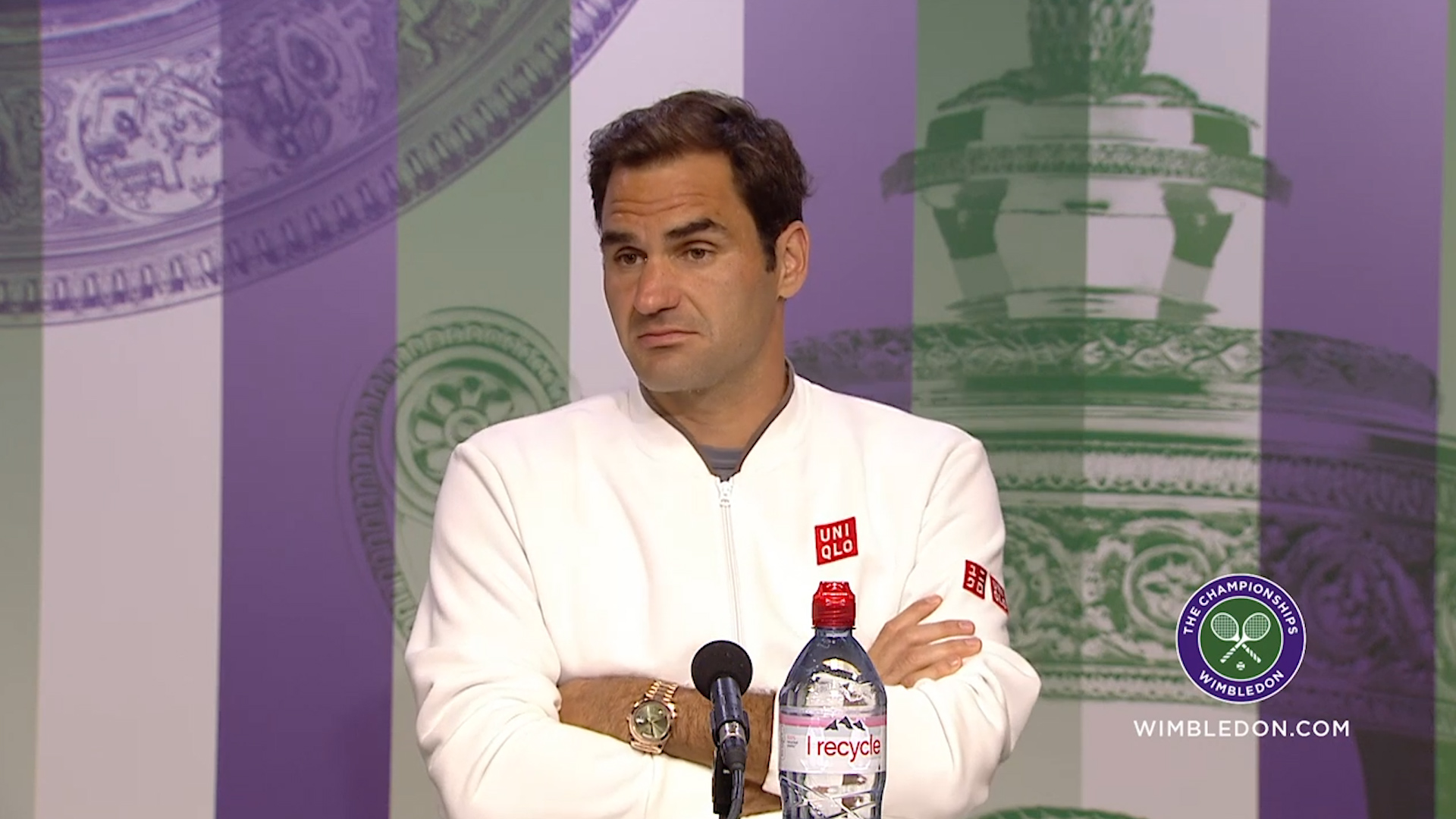 Federer reacts to decisive rule change