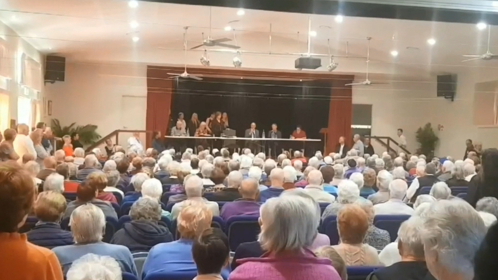 Owners of Nerang nursing home hold crisis talks