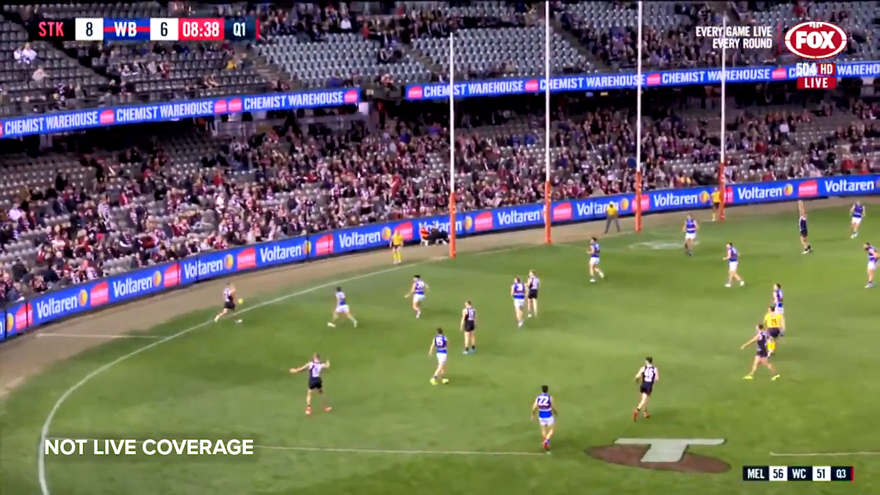 St Kilda forward Jack Lonie pops up with a miraculous snap from the left pocket against the Bulldogs