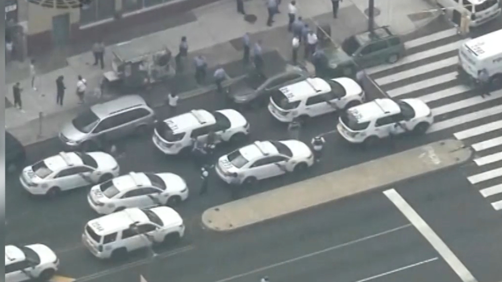 Six police officers shot in Philadelphia standoff