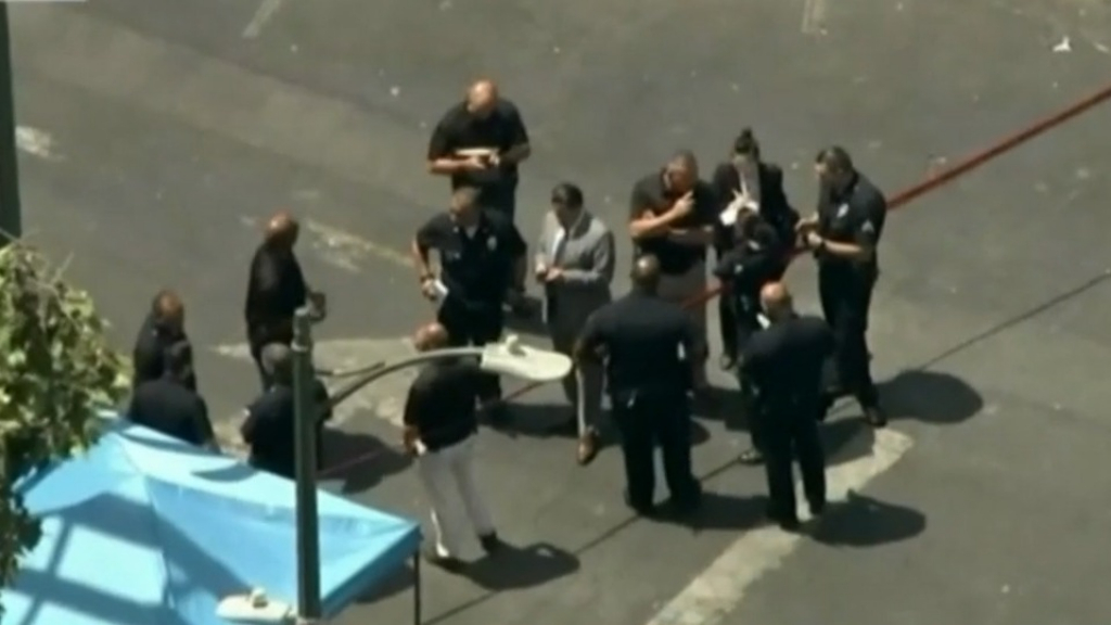 Female shooter in LA wounds multiple people