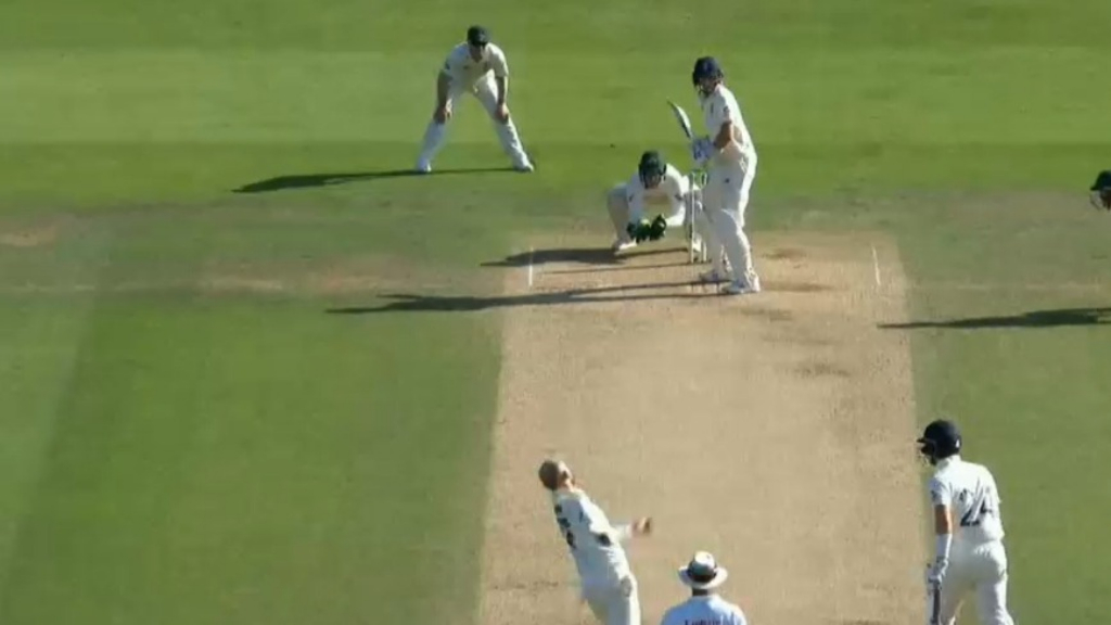 Root keeps England alive in third Test