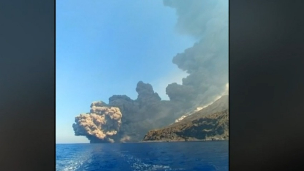 Volcano erupts today: Stromboli volcano in Italy erupts with