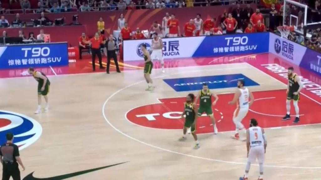 Spain beat Boomers in double overtime