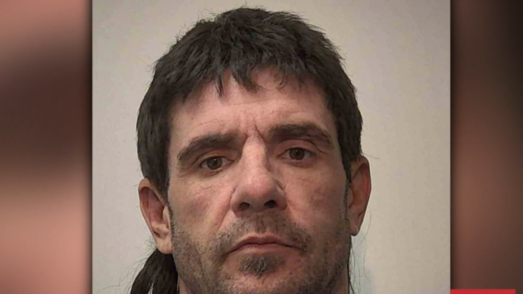 Serial offender Laurie John Dodd on the run