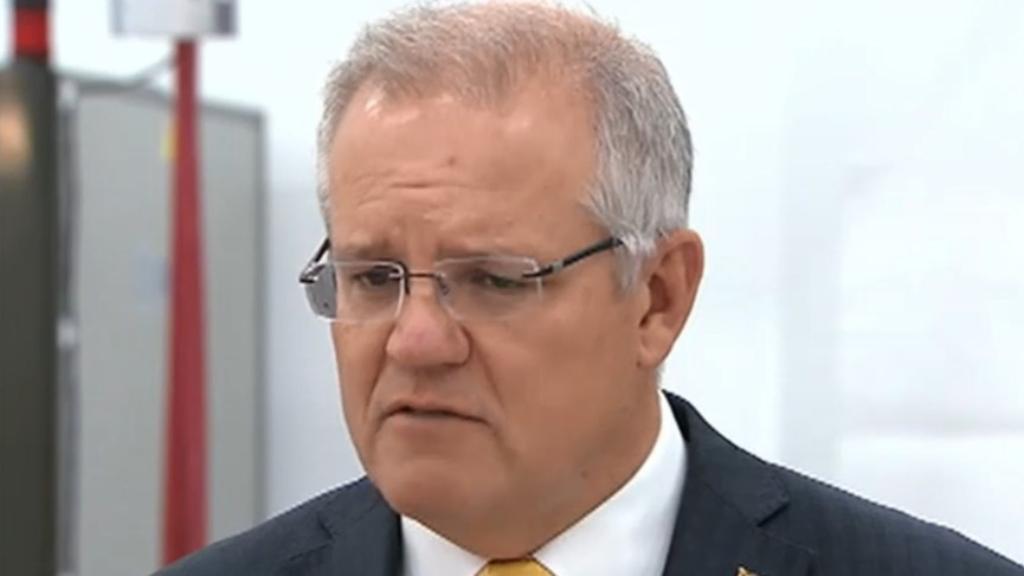 Prime Minister Scott Morrison praises volunteer fire crews