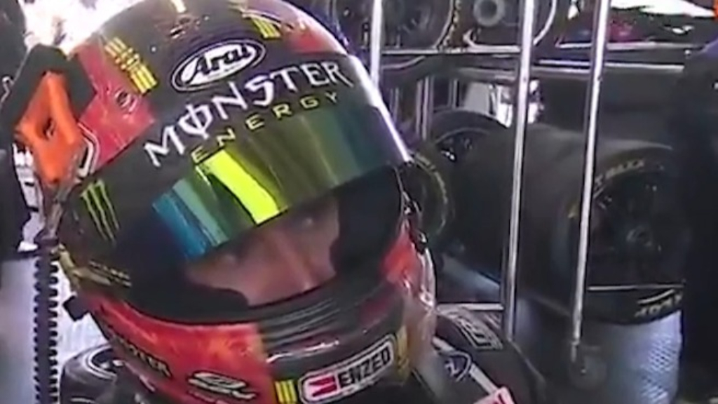Bathurst 1000: Waters reacts to Mostert collision