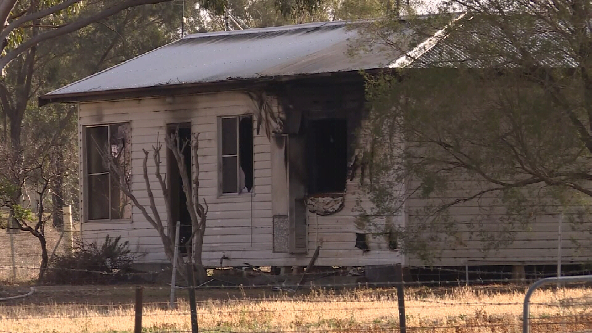 Two dead in Tamworth fire