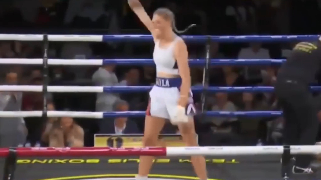 Harris scores KO win