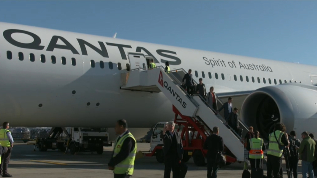 Qantas debuts new 19-hour flight from New York to Sydney