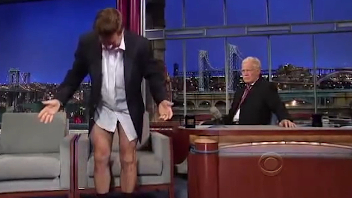 Alec Baldwin drops pants to show off dramatic weight loss live on air
