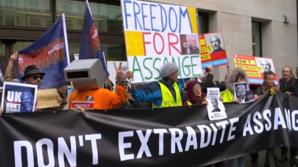 Assange's extradition hearing to go ahead