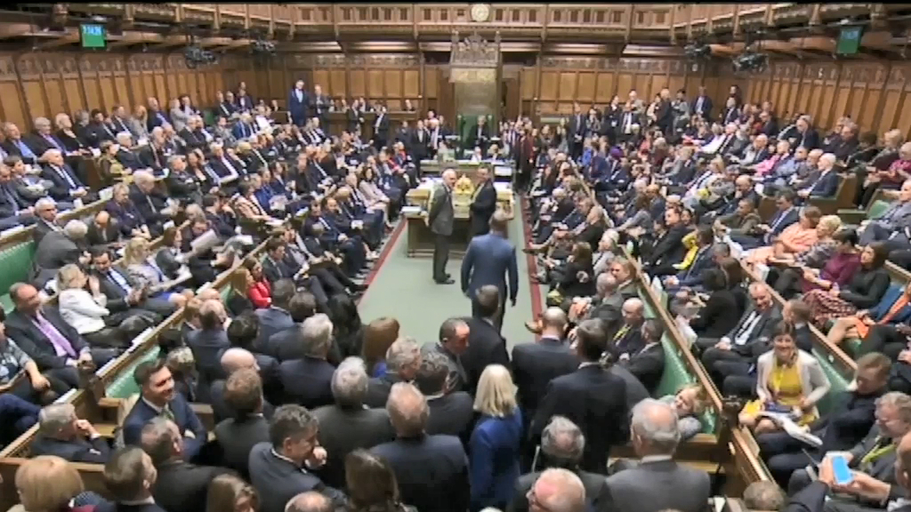 MPs vote to back Brexit bill