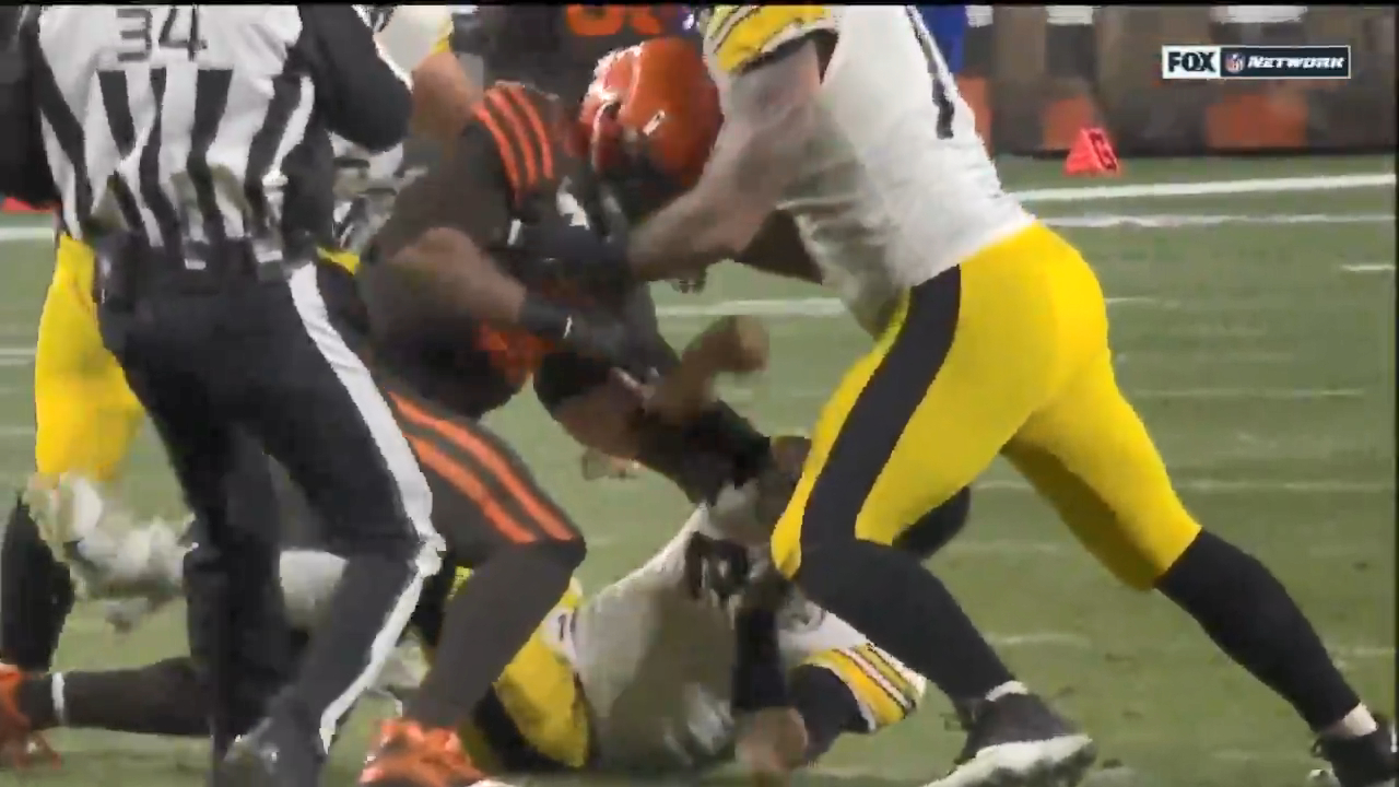 Browns and Steelers clash in ugly brawl