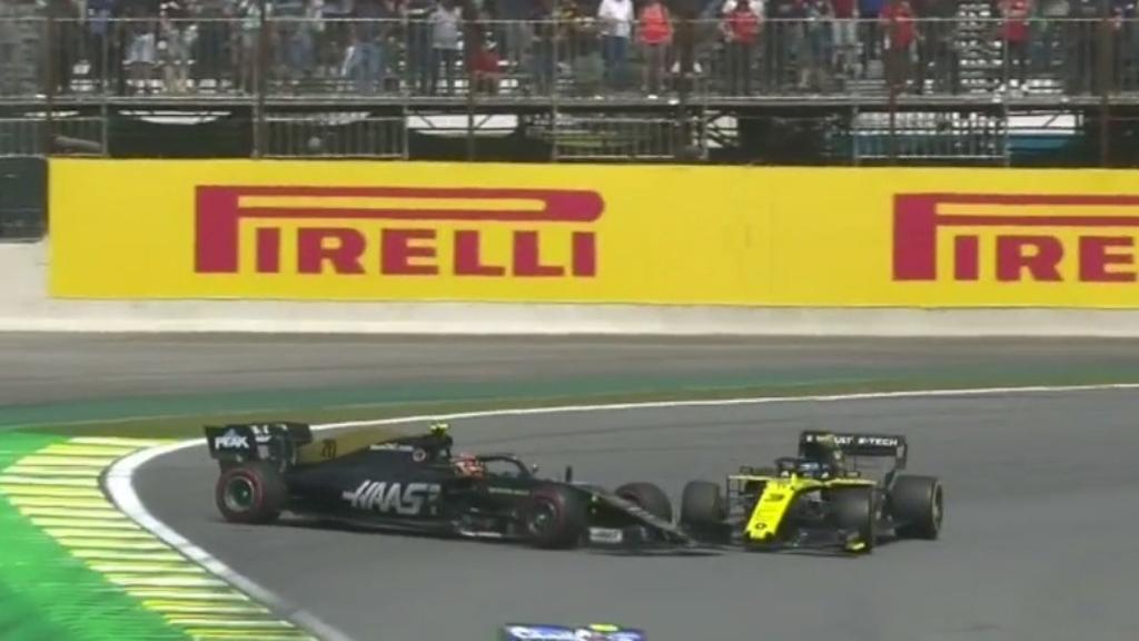 Ricciardo and Magnussen collide