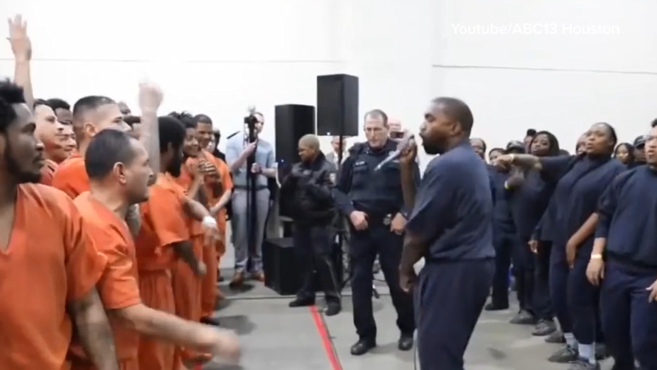 Kanye West performs for inmates
