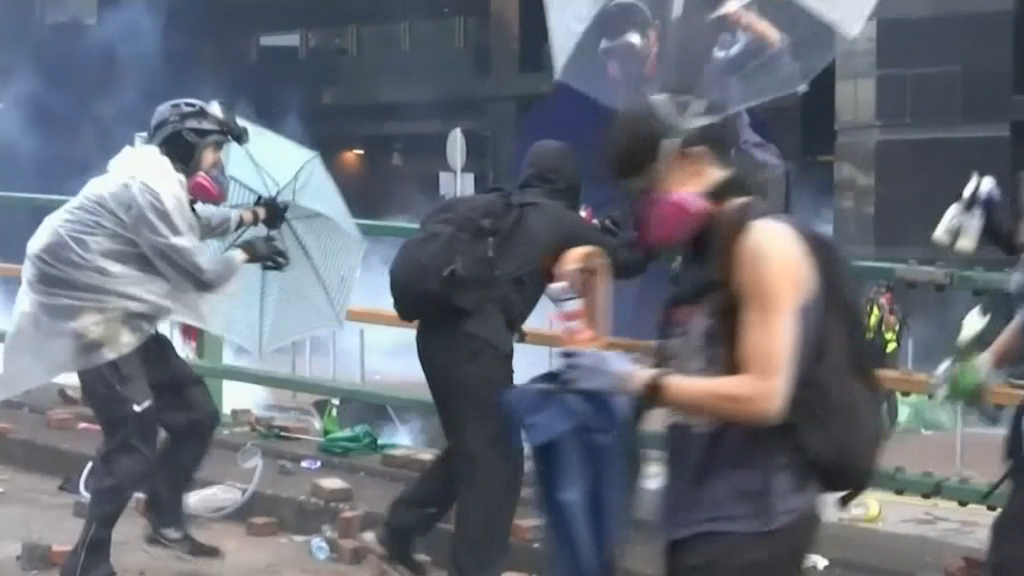 Protesters stage daring escape in standoff with Hong Kong police