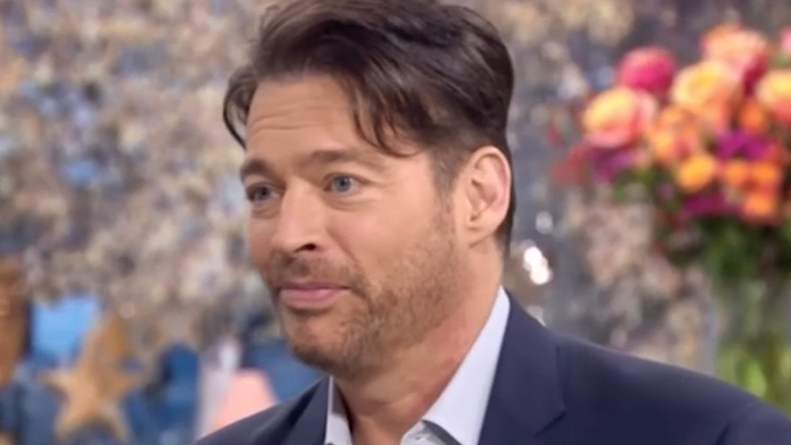 Harry Connick Jr recalls when Frank Sinatra kissed his wife