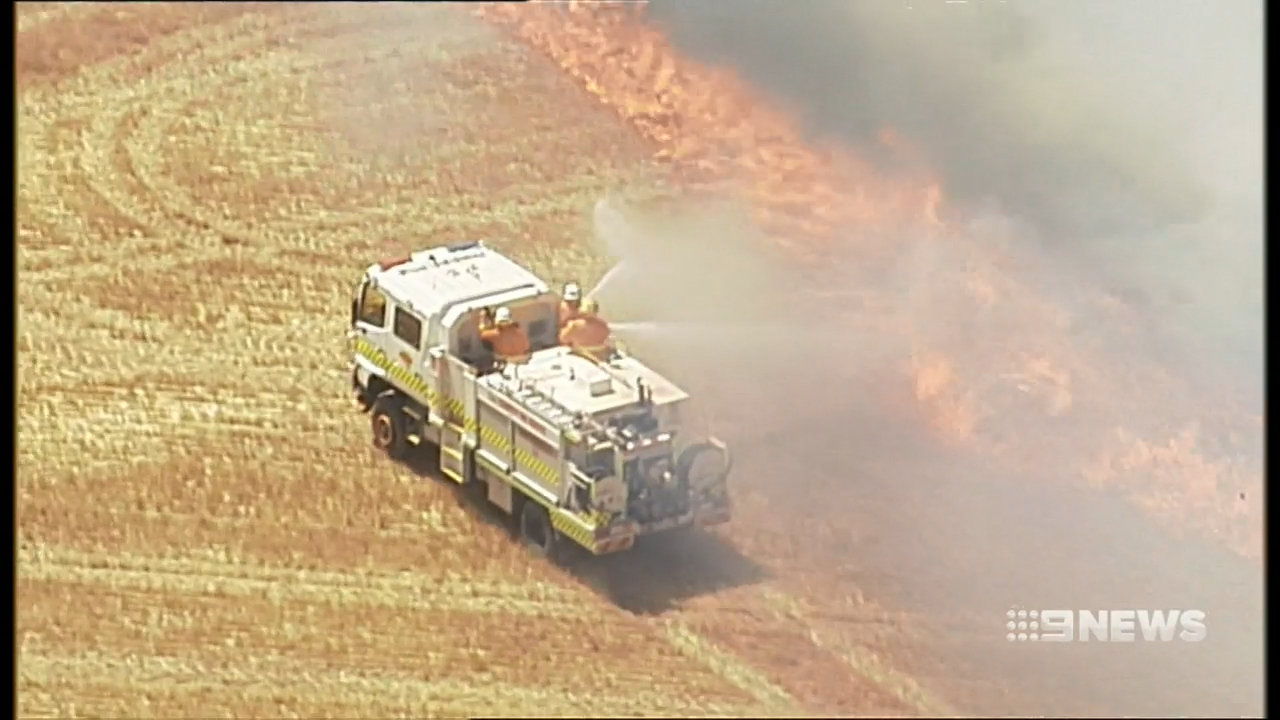 Thirty bushfires break out across South Australia