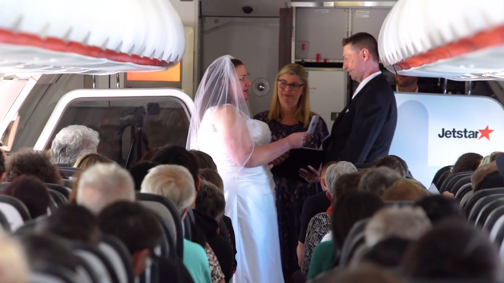 Adorable reason couple get hitched at 37,000 feet