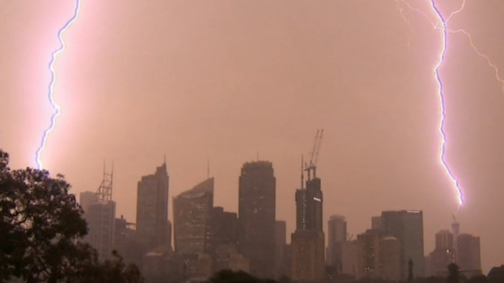 Thunderstorms and rain brought 'little relief' to NSW fire grounds