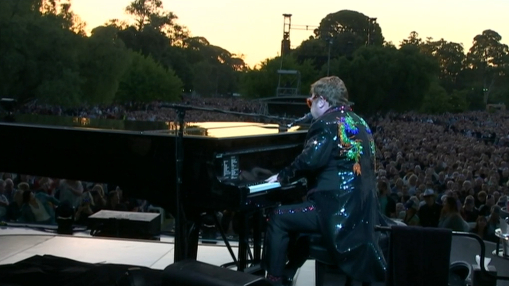 Adelaide mother buys fake Elton John tickets
