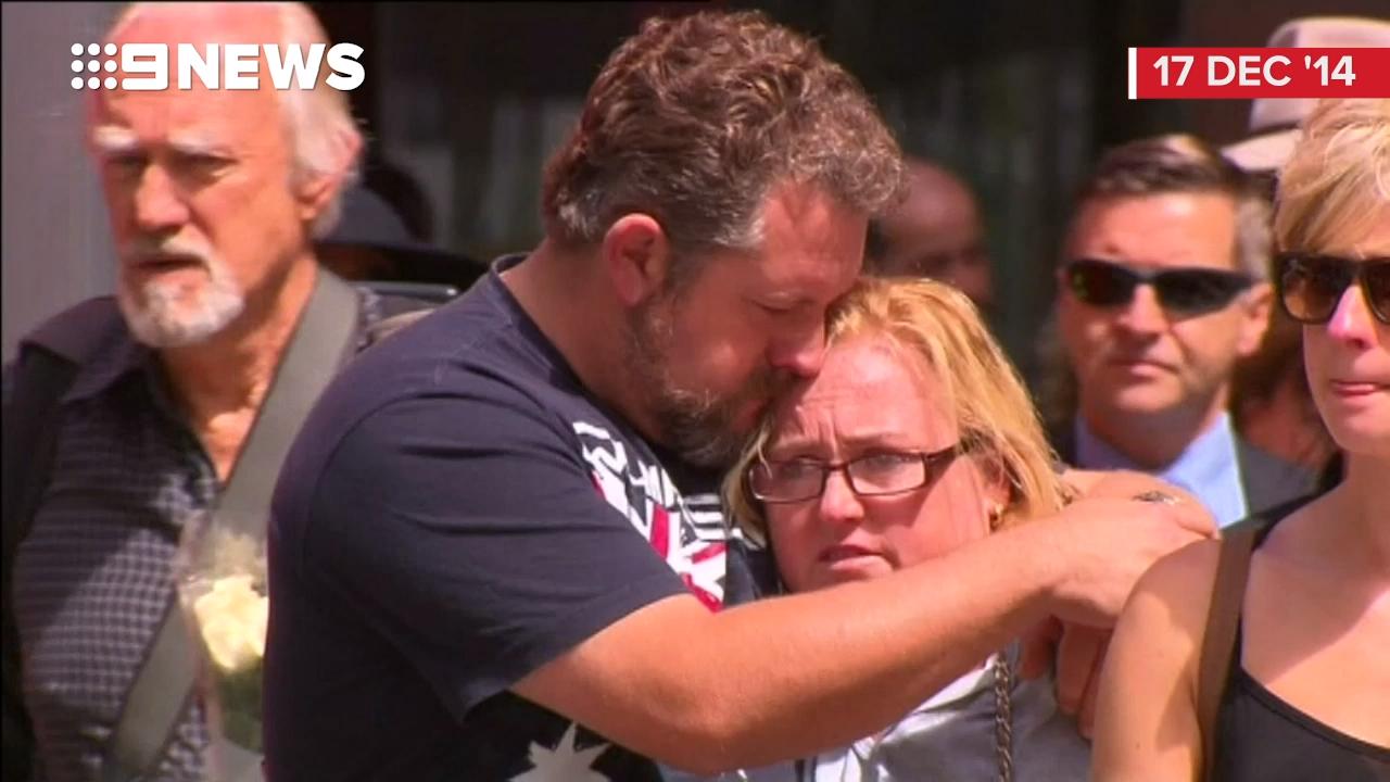Thousands come together to remember Lindt café siege victims