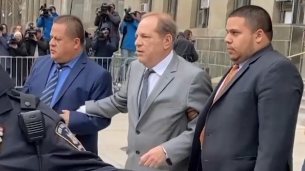 Weinstein leaves court after bail hearing