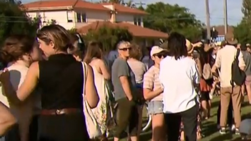 Locals gather to re-claim Thornbury jogging track
