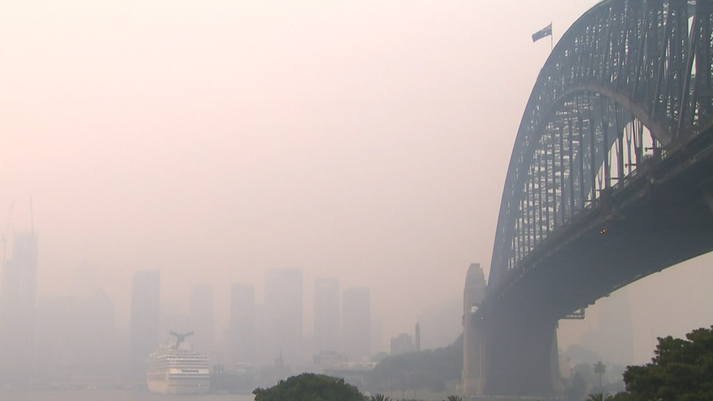 Sydney Engulfed in 'Extremely' Hazardous Smoke as Raging Bushfires Intensify