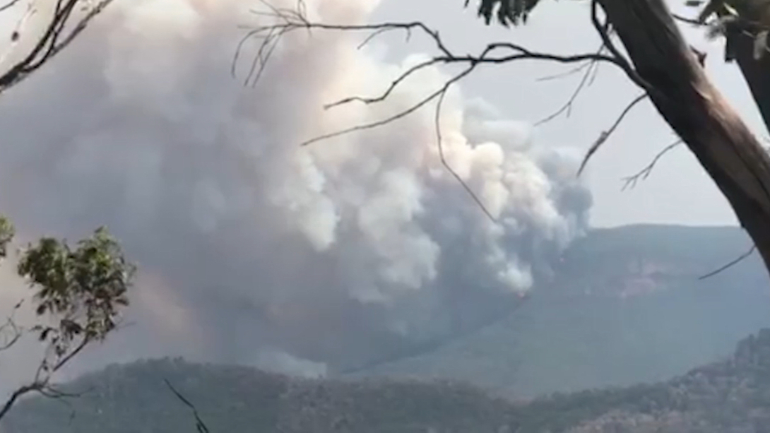 Ruined castle fire burns in Blue Mountains National Park