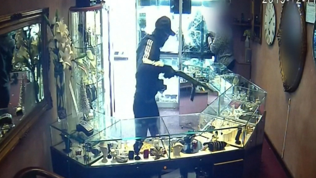 Daylight jewellery heist