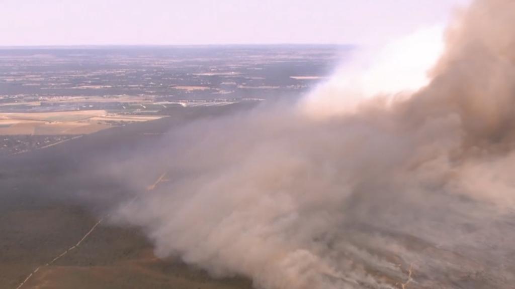 Bushfire crisis rages
