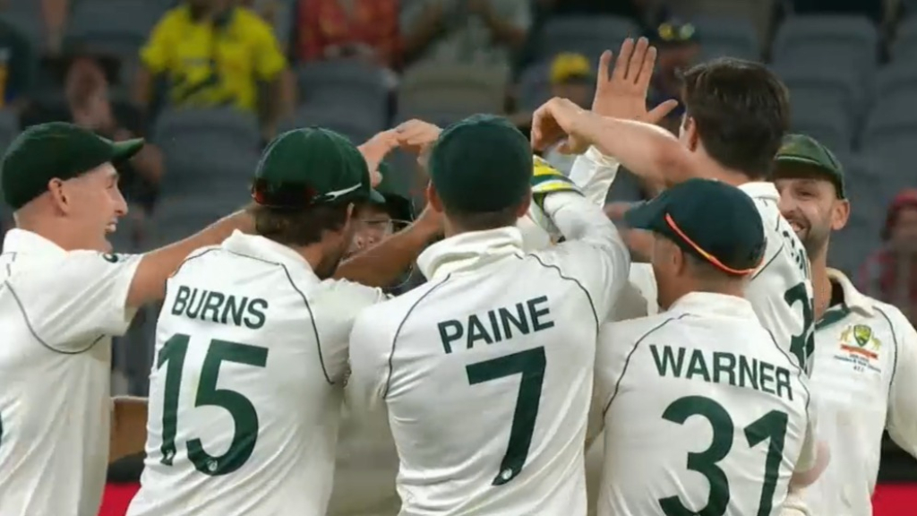 Aussies rout NZ in first Test