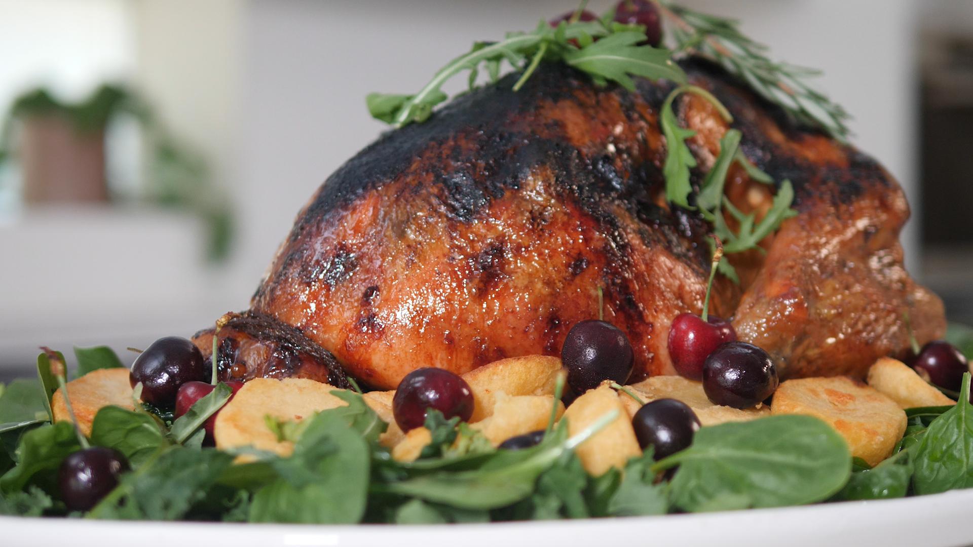 How to cook and Coca-Cola glaze a whole Christmas turkey