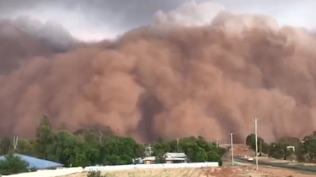 Australia: Massive dust storm blankets western New South Wales