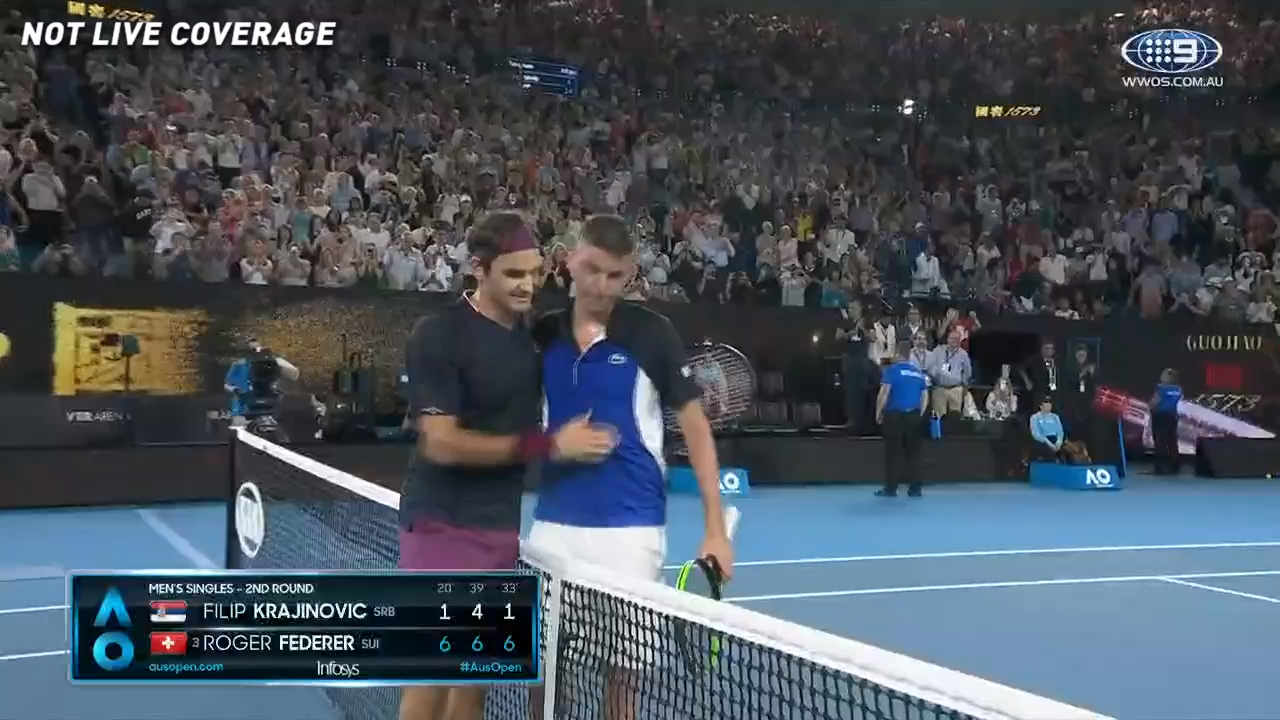 Roger Federer wins in style