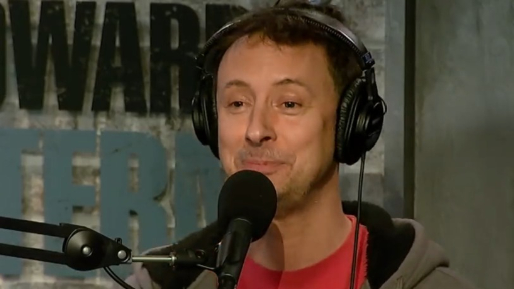 Kyle Dunnigan says he lives with ex Amy Schumer and her husband
