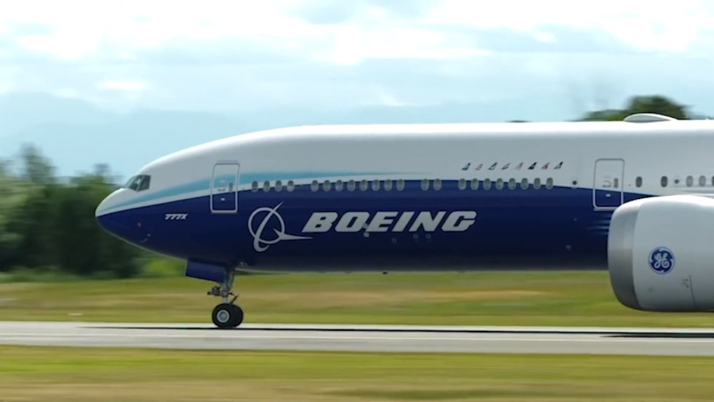 Inside Boeing's extra large 777X