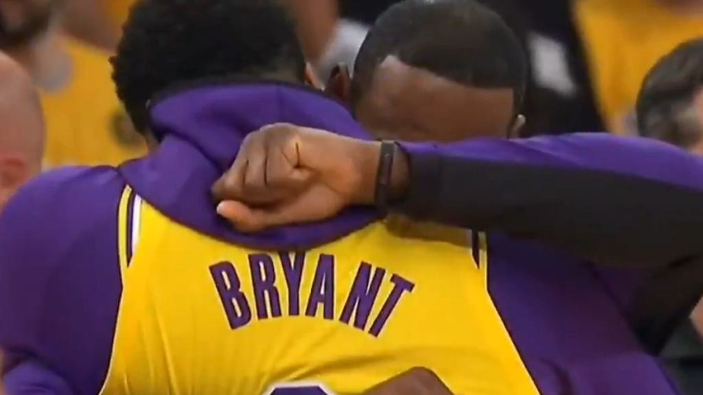 LA Lakers pay tribute to Kobe Bryant