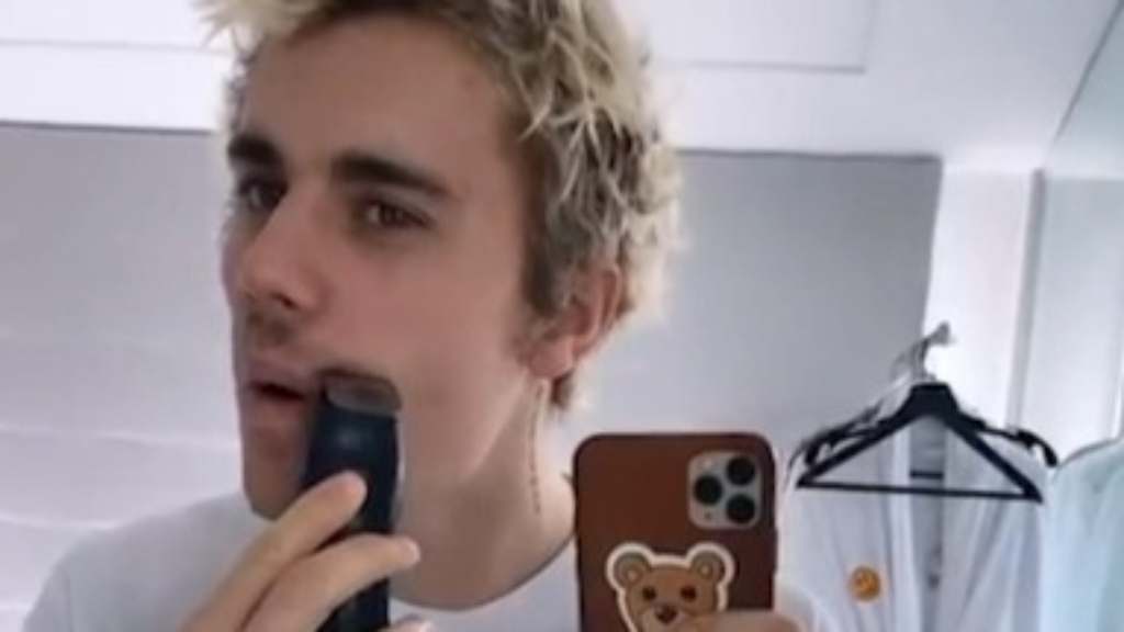 Justin Bieber shaves off his moustache in Instagram video