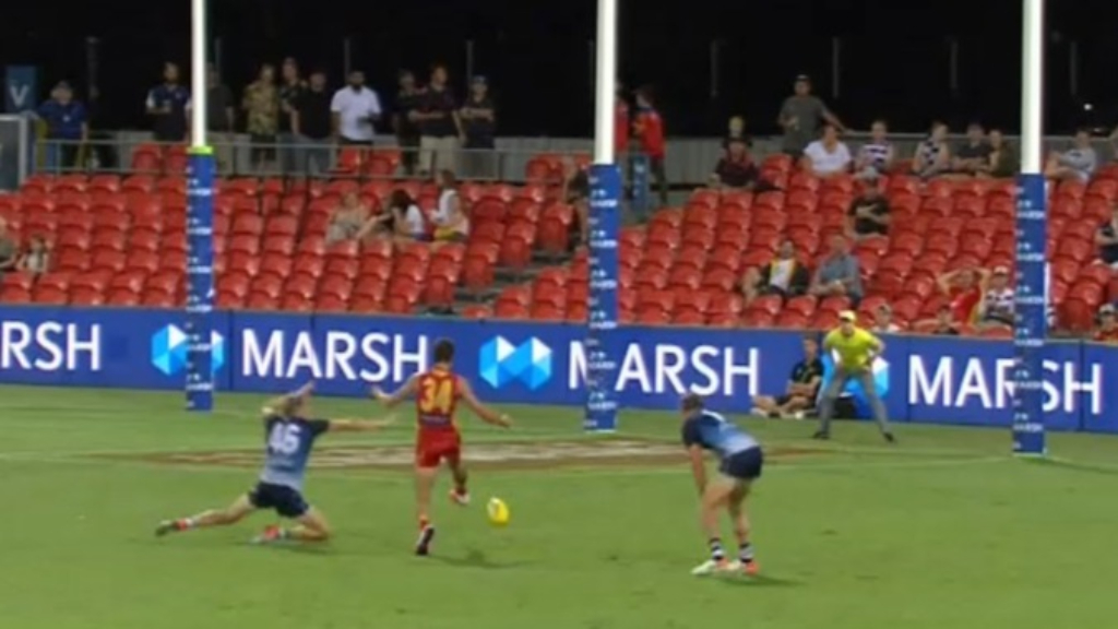 AFL: Ben King shows why he was so highly in demand all around the league with a brilliant goal for the Gold Coast Suns against Geelong