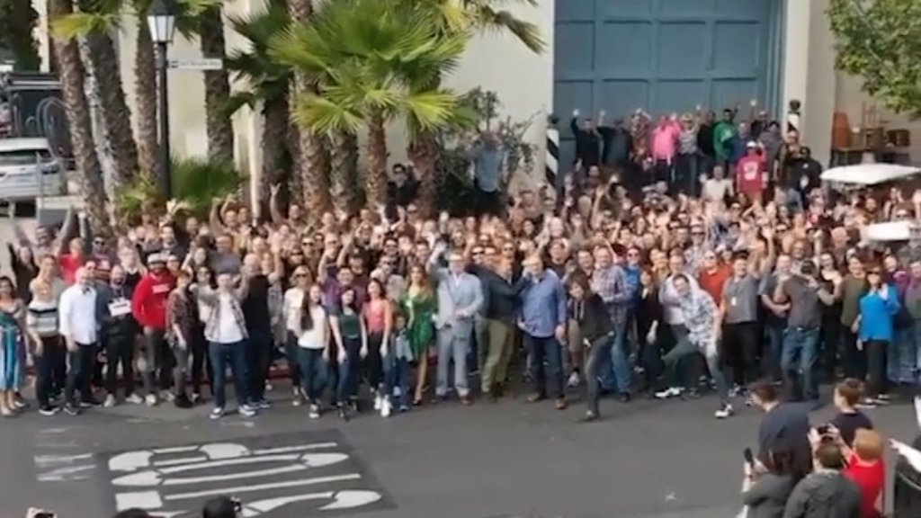 The cast and crew of Modern Family say goodbye