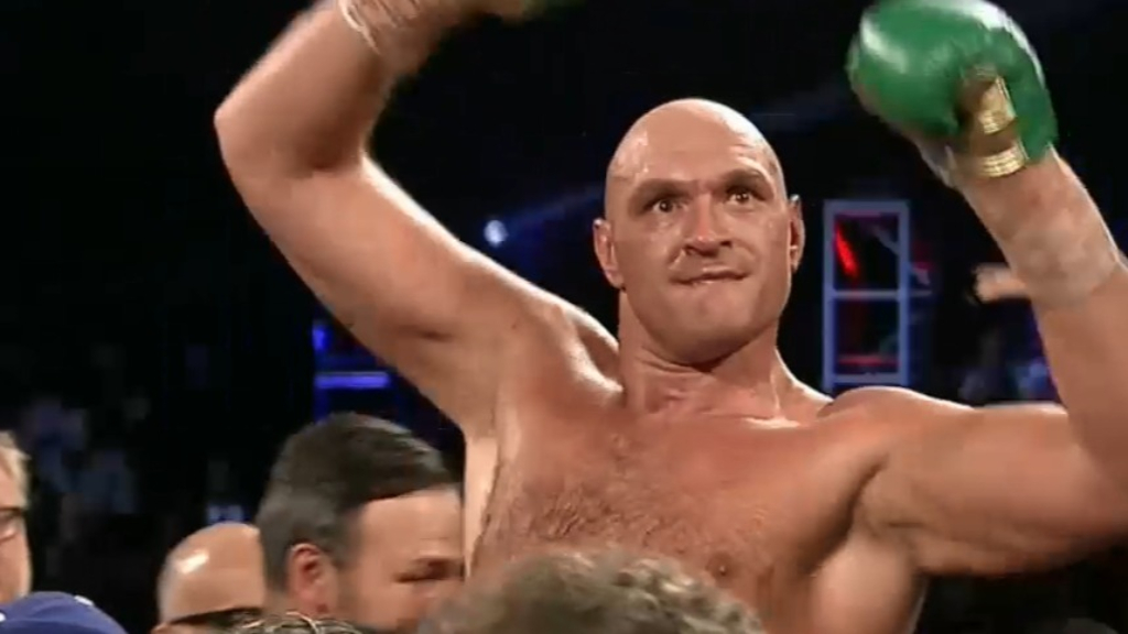 Fury beats Wilder in world title fight