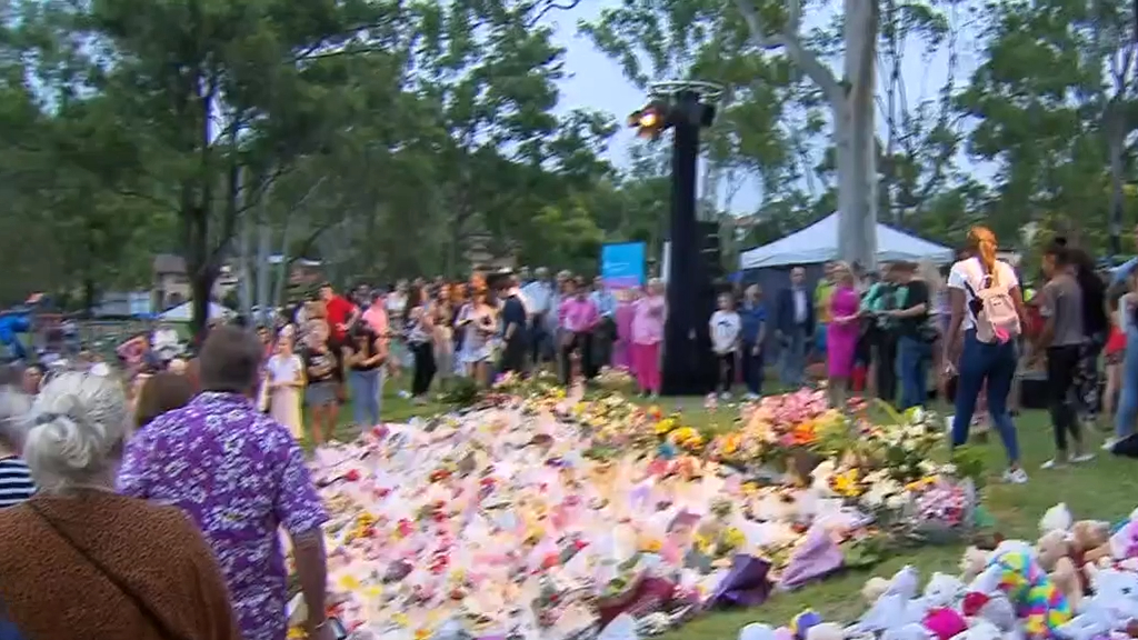 Strangers flock to vigil for Hannah