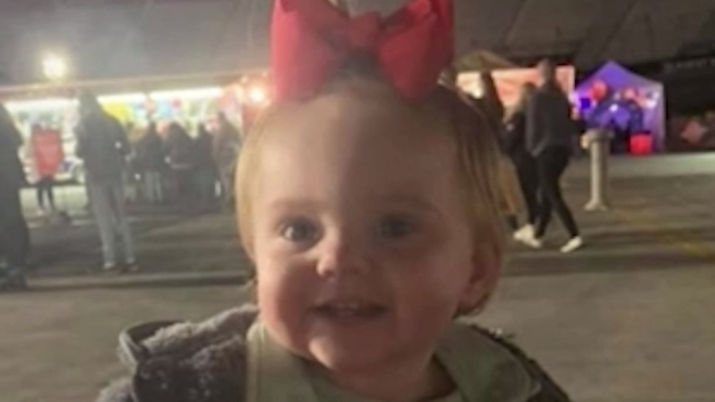 Mum of missing baby 'knew who had her daughter'