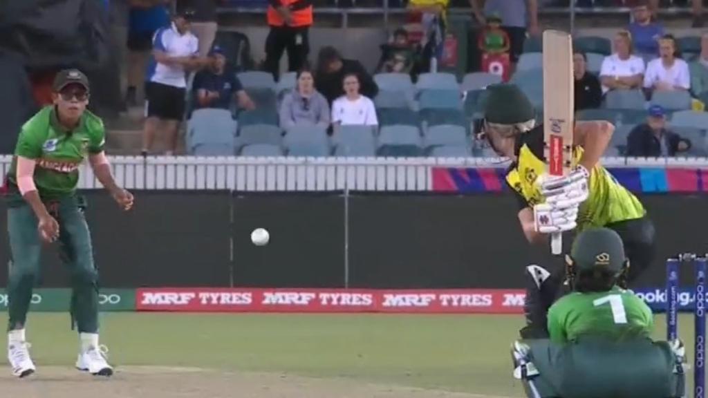 Australia thrash Bangladesh