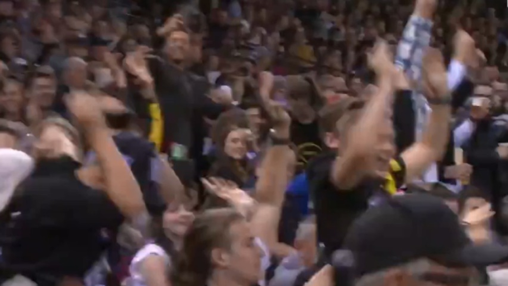 AFL Origin crowd erupt into Mexican Wave