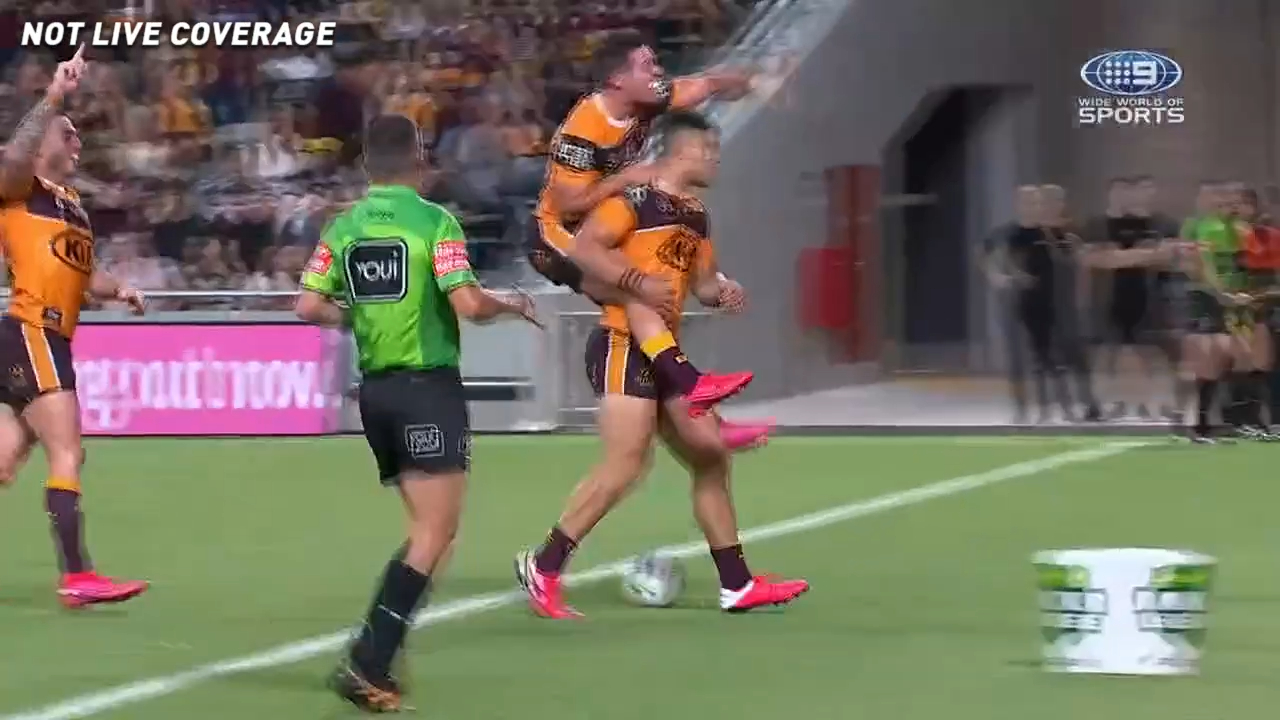 Fifita's stunning solo try